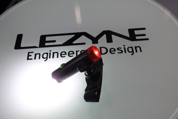 Lezyne-Taiwan-Factory-Tour-Cedric-Gracia-Pumps-New-Product653-600x400