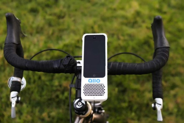 allo-bicycle-iphone-mount-with-integrated-speaker1-600x400