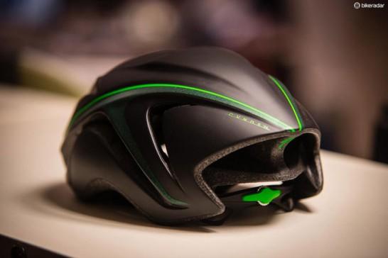 CVNDSH ヘルメット