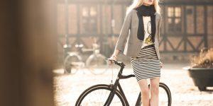 「目に見えない」自転車用ヘルメット スウェーデンの女子大生が発明!!!!