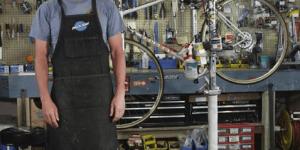 ランス・アームストロングが教える正しいパンク修理