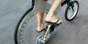実際に走れる!スポークレスホイール自転車「Lunartic」