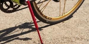 最もシンプルなロードバイク用携帯スタンド「Kwikstands」
